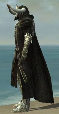 Grenth's Regalia M default side.jpg