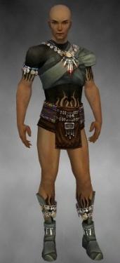 Ritualist Luxon Armor M gray chest feet front.jpg