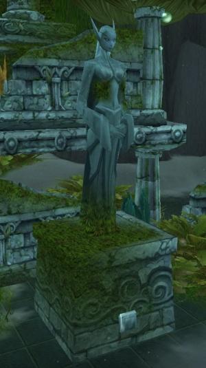 Queen-Azshara-statue.jpg