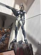 Nova Statue2.jpg