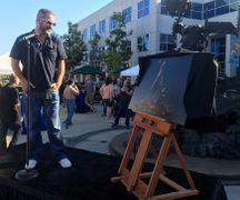 Chris Metzen statue3.jpg